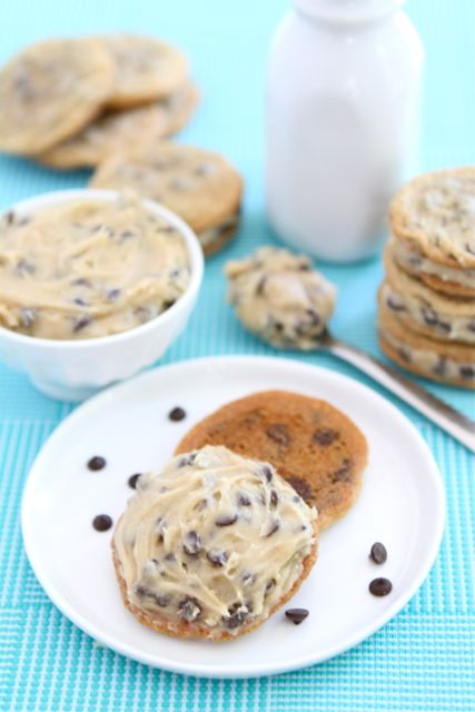 chocolate-chip-cookie-dough-sandwich-cookies