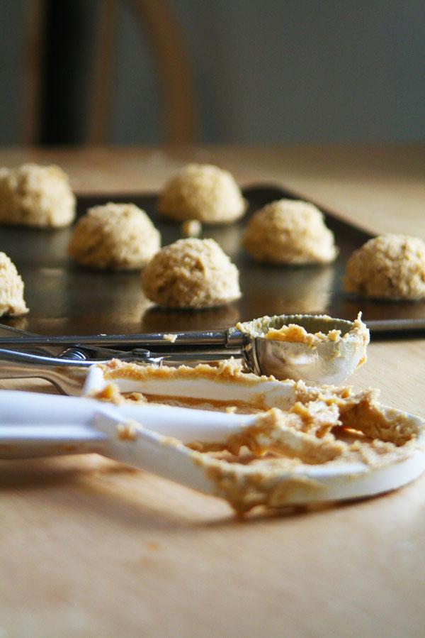Peanut Butter Oatmeal Sandwich Cookies | ohsodecadent.com