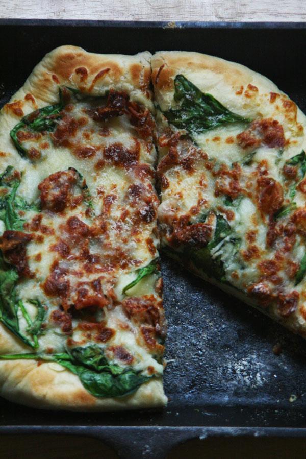 Cast Iron Skillet Spinach Fontina Pizza | ohsodecadent.com