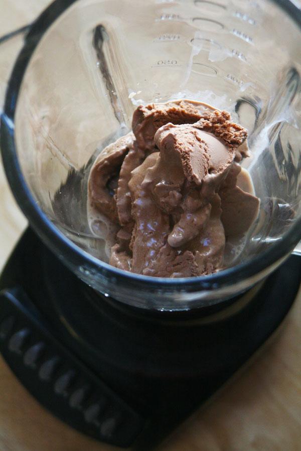 Mocha Java Milkshakes | ohsodecadent.com