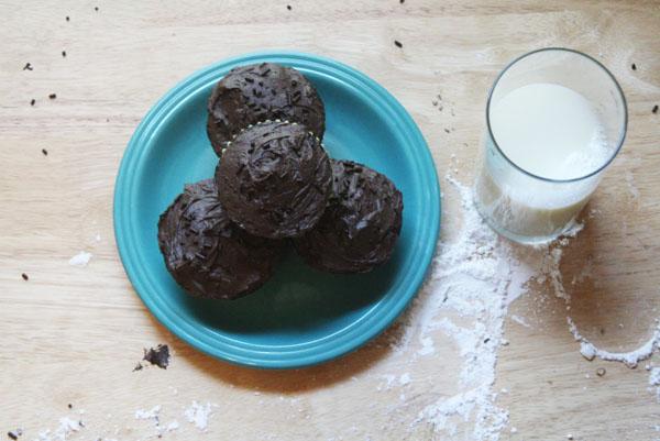 Espresso Chocolate Cupcakes | ohsodecadent.com