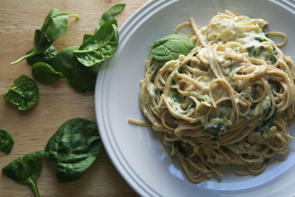 Spinach and Artichoke Pasta | ohsodecadent.com